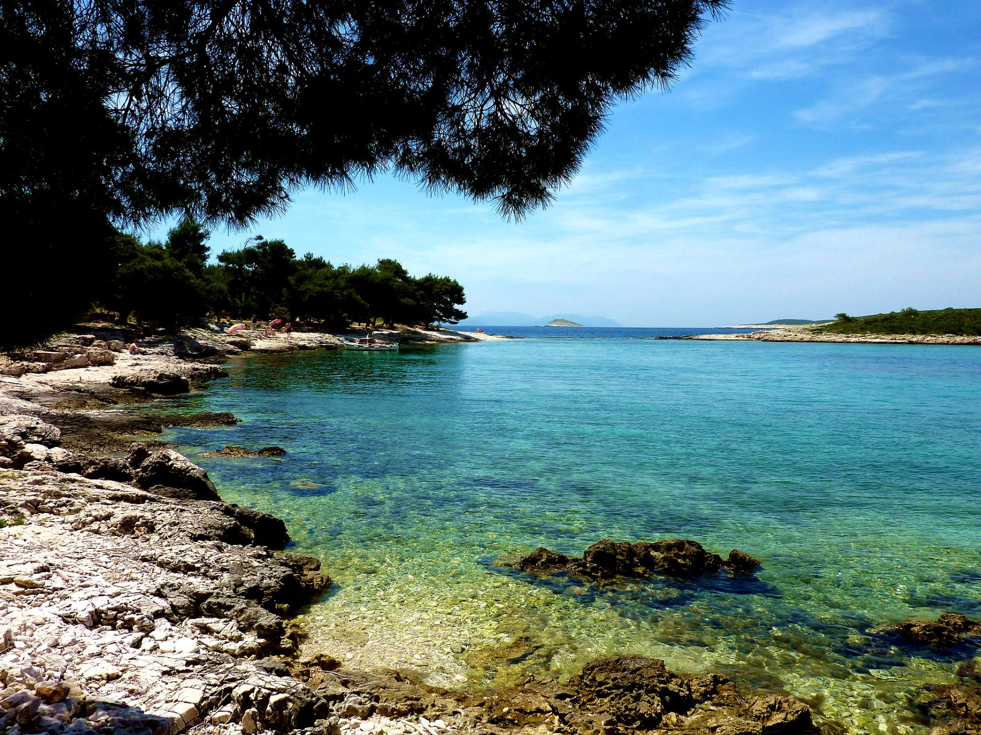 Destination Hvar, Mlini beach