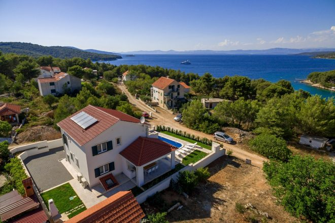 What to do this summer in Milna on Island of Brac?