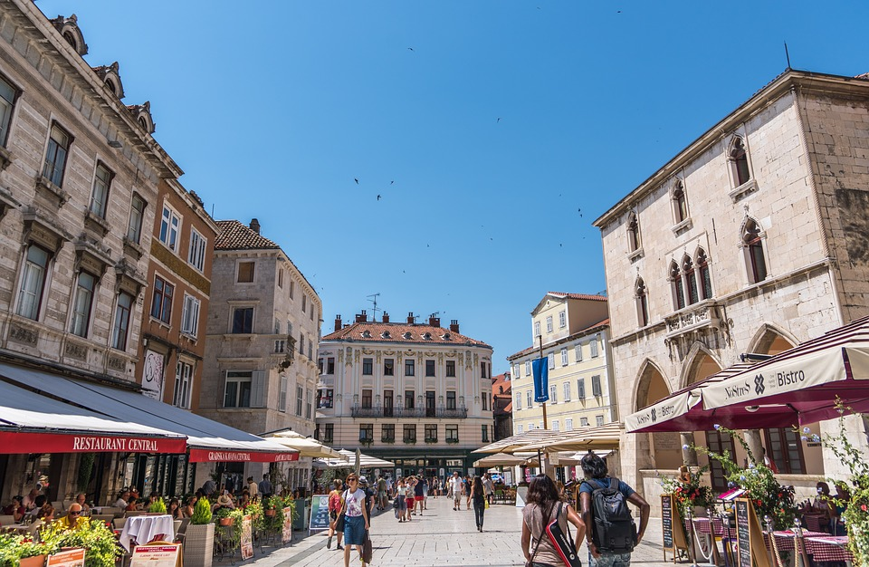 pjaca - square in split