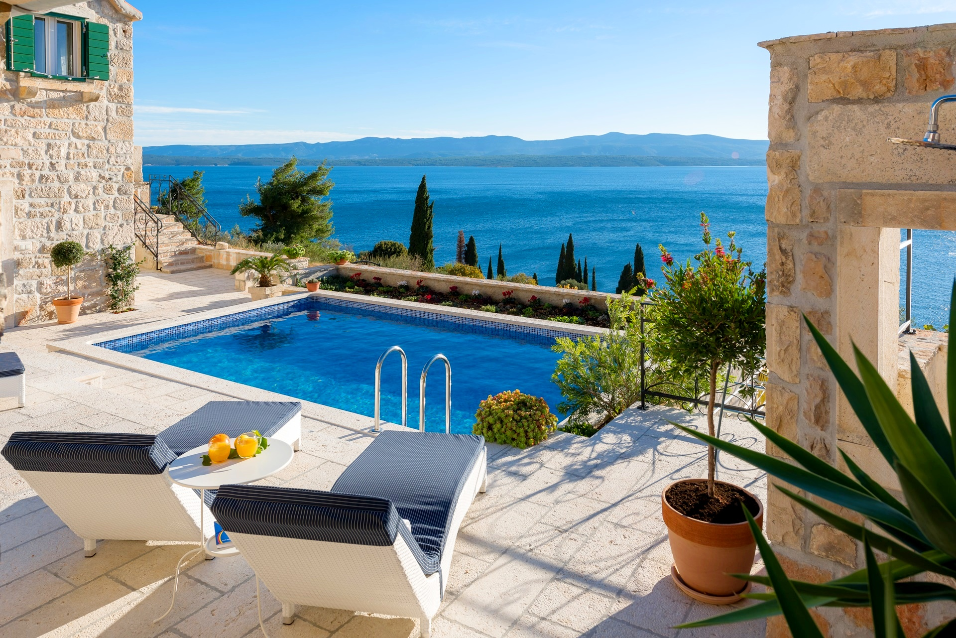 How to book your private villa holidays